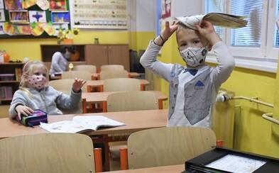 """Jen 0,04 % pozitivních v pražských školách. """"Buď jsou testy k ničemu, nebo byly děti doma zbytečně,"""" hořekuje zastupitel Šimral"""