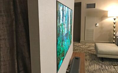 Jen 2,6 mm tenká 4K OLED TV od LG přichází rozdupat konkurenci. Když ji zavěsíte na stěnu, vypadá jako obraz