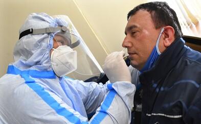 V nedeľu pribudlo v Česku 305 prípadov koronavírusu. Dôvodom je plošné testovanie v Karvinsku