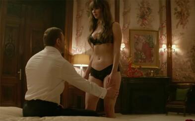 Jennifer Lawrence je v lechtivém traileru ochotna svléct se před každým mužem, jen aby ho mohla chladnokrevně zabít