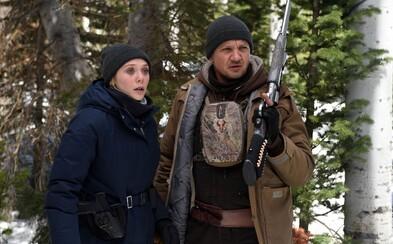 Jeremy Renner a Elizabeth Olsen vyšetrujú v kriminálke Wind River od scenáristu Sicaria vraždu mladej ženy v uzavretej indiánskej rezervácii