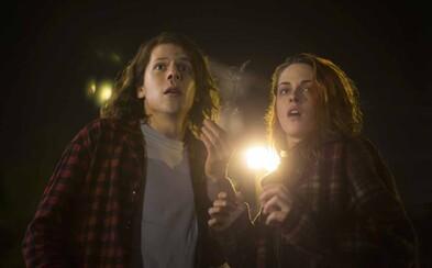 Jesse Eisenberg a Kristen Stewart sa nám predstavujú v sľubnej akčnej komédii
