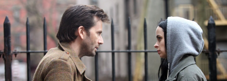 Jessica Jones dáva v novom traileri jasne najavo, že úspech Daredevila nebol náhodný