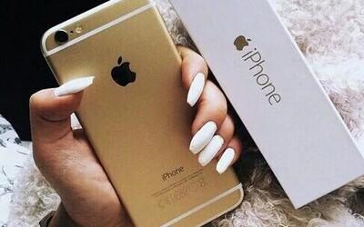 Jestli máš iPhone, patříš mezi bohaté. Studie tvrdí, že jsou Apple výrobky nejlepším indikátorem vysokého platu