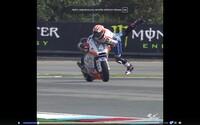 Jezdec MotoGP v Brně zázračně zachránil motorku před pádem, když dostal smyk