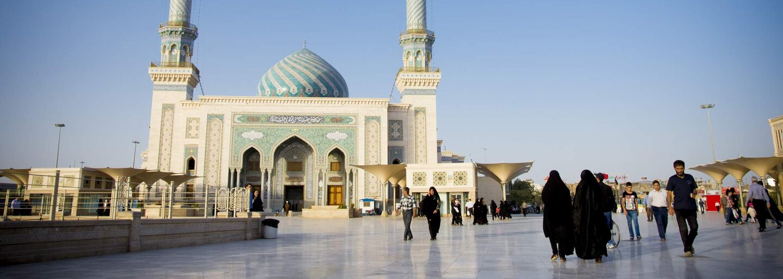 Jiří Kalát je cestovateľ, ktorý niekoľkokrát navštívil krajiny Blízkeho Východu. Okrem výsluchu s Hamasom opísal aj kultúrne rozdiely
