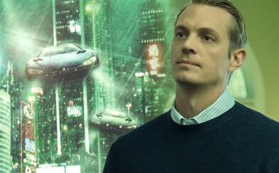 Joel Kinnaman bude vyšetrovať vraždu v drahom sci-fi seriáli Altered Carbon. Netflix pripravuje cyberpunkovú budúcnosť 25. storočia