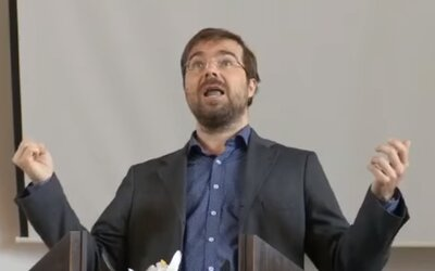 Joga nepôsobí proti náboženstvu, tvrdí kritik Krajčího videa. Podľa ministra zdravotníctva totiž jogína oslobodil Duch svätý