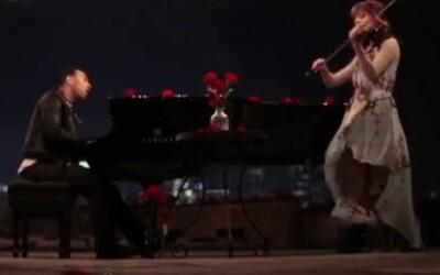 John Legend a  Lindsey Stirling v romantickom videoklipe na skladbu All Of Me