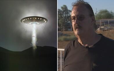 John vraj zabil už 19 mimozemšťanov a jeho manželku donútili levitovať. Jeho ranč je plný paranormálnych javov, teraz ho predáva