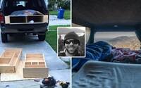 John za 250 dolárov prerobil svoje auto a vydal sa do divočiny naprieč USA. Ľuďom chce ukázať, že cestovať sa dá osamote a aj za málo peňazí