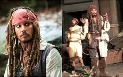 Johnny Depp se převlékl za Jacka Sparrowa a překvapil návštěvníky Disneylandu