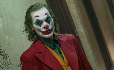 Joker vraj podporuje vznik násilia. Podráždení ľudia film bojkotujú a armáda USA pred ním varuje vojakov
