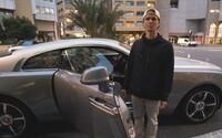 Jon Olsson oficiálně přesedlal z upraveného Lamborghini na exkluzivní Rolls-Royce. Jeho Wraith obsahuje i hvězdnou oblohu v interiéru