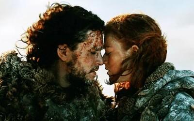 Jon Snow a Ygritte sa zasnúbili. Kit Harington požiadal červenovlásku z Game of Thrones o ruku