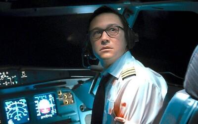 Joseph Gordon-Levitt bojuje s teroristami snažiacimi sa ovládnuť lietadlo. Ak ich nepustí do kokpitu, zabijú mu priateľku