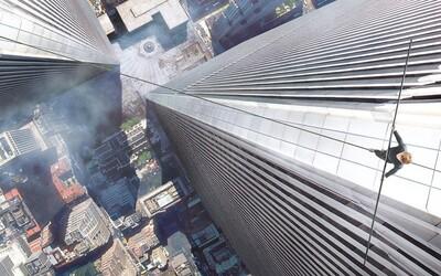 Joseph Gordon-Levitt sa vo filme od režiséra Forresta Gumpa pokúsi prejsť bez istenia medzi vežami WTC