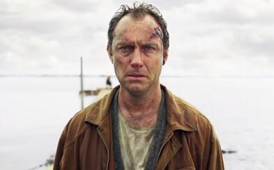 Jude Law bude muset přežít na mysteriózním ostrově plném násilí. HBO odhaluje svou ambiciózní minisérii