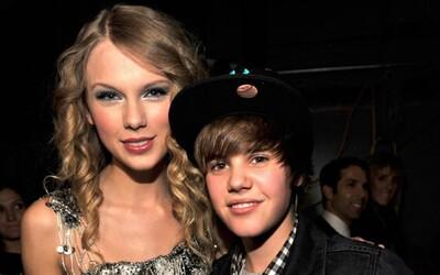 Justin Bieber ide opäť proti Taylor Swift. Vraj si vymýšľa, že jej vydavateľstvo zakazuje hrať vlastné skladby