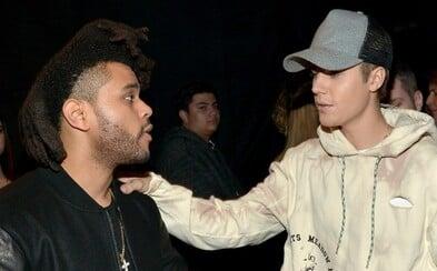 Justin Bieber považuje The Weekndovu hudbu za slabú. Môže za to Selena?