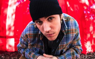 Justin Bieber rozšiřuje album Justice o nálož nových skladeb. Hostují Quavo, Jaden i Lil Uzi Vert