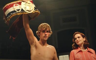 Justin Bieber sa stáva boxerským šampiónom. V motivačnom videoklipe pripomína Rockyho