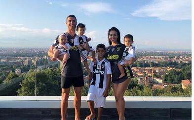 Juventus už podepsal i 8letého syna Cristiana Ronalda. Slavný otec si všiml, že je Junior talentovaný