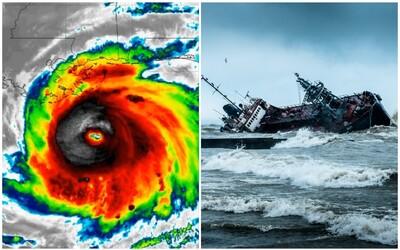 K pobrežiu USA sa rúti najsilnejší hurikán za posledných 200 rokov. Zosilnel tak rýchlo, že ľudí nestíhajú evakuovať