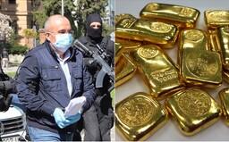 Kajetán Kičura sa vyjadril k zlatým tehličkám, ktoré našli v jeho schránke. Vraj ide o celoživotné rodinné úspory