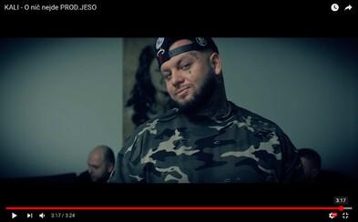 Kali v najnovšom videoklipe tvrdí, že O nič nejde a motivuje mladých ľudí