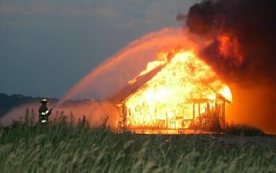 Kalifornský guvernér žiada Austráliu o pomoc. Dôvodom sú obrovské požiare v krajine