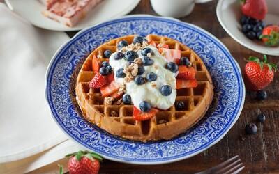 Kam na tie najlepšie domáce waffle? Chutná kaviarnička v centre Bratislavy láka na chrumkavú voňavú novinku