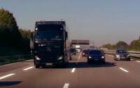 Kamión od Mercedesu zvládol jazdu na nemeckej diaľnici (takmer) bez pomoci človeka. Pozeráme sa na budúcnosť dopravy?