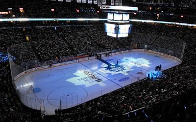 Kanadskí fanúšikovia pomohli dospievať americkú hymnu pred zápasom NHL