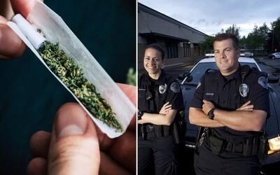 Kanadskí policajti môžu fajčiť marihuanu, pokiaľ do práce prídu v poriadku. Na legalizáciu sa vo Vancouveri tešia