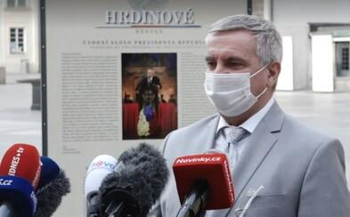 Kancléř Mynář: Ceremoniál se konat nebude, primátor Hřib by si měl nafackovat