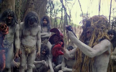 Kanibal sa udal na polícii s cudzou odrezanou nohou a slovami, že ho už nebaví jesť ľudské mäso