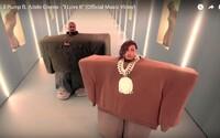 Kanye West a Lil Pump vystupujú v spoločnom videoklipe ako obrovské kvádre