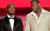 Kanye West čelí žalobě, prý nezaplatil 600 tisíc za materiál na tenisky Yeezy. 50 Cent rapera vulgárně dissuje