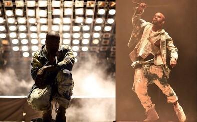 Kanye West dal vynikajúcou show na festivale Glastonbury jasný odkaz 135-tisíc ľuďom, ktorí proti nemu podpísali petíciu