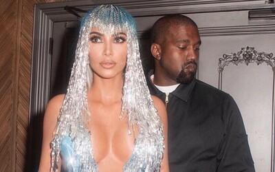 """Kanye West negatívne komentuje ženy ako Kim Kardashian, ktoré pridávajú pikantné fotky na Instagram: """"Muži trpia ako Ježiš"""""""