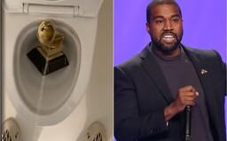 Kanye West sa na Twitteri vymočil na cenu Grammy. Zverejnil tiež celú svoju miliónovú zmluvu s vydavateľstvom