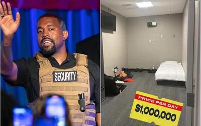 Kanye West vraj platí milión dolárov za noc v podzemí futbalového štadióna. V izbe má len posteľ a skriňu