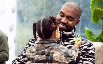 Kanye West zrušil kandidatúru na prezidenta USA. Tvrdí to člen jeho volebného štábu
