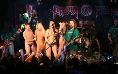 Kapela, ktorá fanúšikovi hodila kondóm, aby mu pripravila noc plnú sexu. Ženy z Rockbitch ukazovali, kam sa dajú posúvať hranice