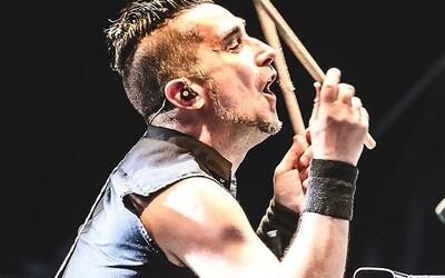 Kapela Offspring vyhodila svého bubeníka, protože se odmítl naočkovat vakcínou proti Covid-19