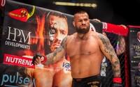 Karlos Vémola sa pobije s Marpom! Boxerský zápas hviezd bude tento rok v pražskej O2 aréne