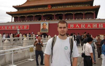 Karol o životě v Číně: Lidé zde nemají Facebook, Google, ani YouTube, naše koníčky jsou úplně jiné (Rozhovor)