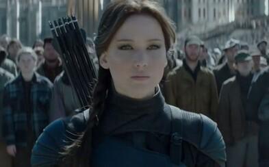 Katniss prevalcovala Jamesa Bonda a za prvý víkend zarobila 250 miliónov