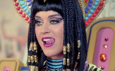 Katy Perry obvinili zo sexuálneho obťažovania, mužovi údajne stiahla nohavice na párty a všetkým ukázala jeho penis